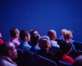 Первый в мире плавучий кинотеатр: уникальное место отдыха откроется в столице Франции