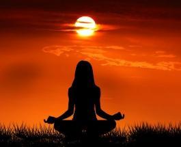 Избавиться от жира в области живота и талии помогут 5 упражнений йоги