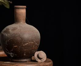 Неожиданная находка в рыболовной лавке в Испании: возраст древних амфор насчитывает 2000 лет