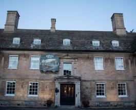 Призрак отеля Хэйкок Мэнор: красивая легенда о частой гостье старинного здания