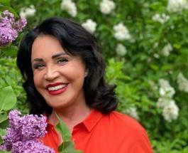 Похорошевшая Надежда Бабкина приняла участие в женском флешмобе