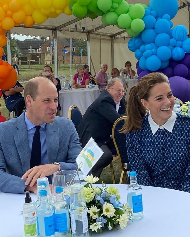 Кейт Миддлтон и принц Уильям приняли участие в чаепитии с ...