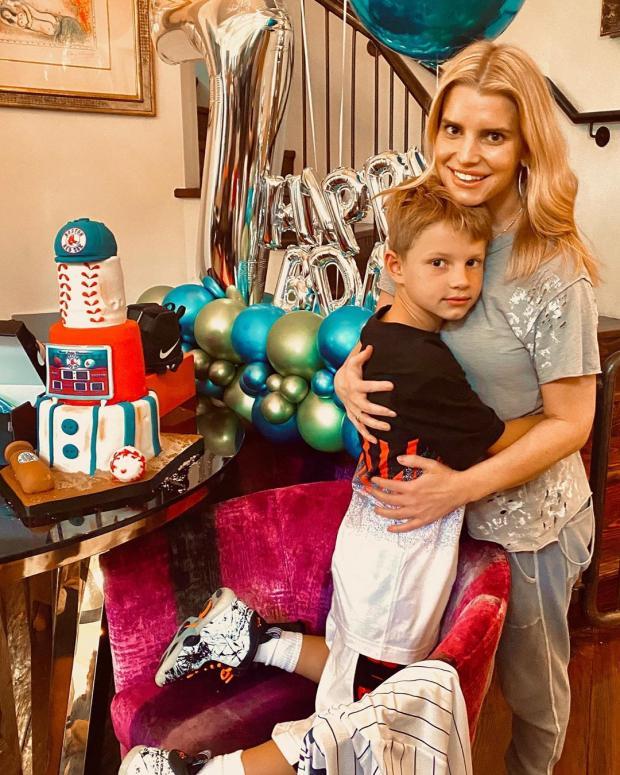 Джессика Симпсон с сыном