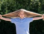 9-летний мальчик с длинными волосами готов подстричься впервые в жизни ради благого дела