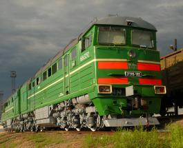 Знаете ли Вы: почему все советские поезда имели зеленые вагоны и серую крышу