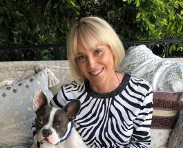 Новое видео Шэрон Стоун: 62-летняя актриса восхищает красотой даже без макияжа и прически