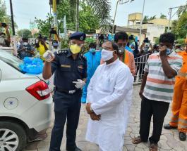 В результате пожара в индийском центре для больных коронавирусом погибли 11 пациентов