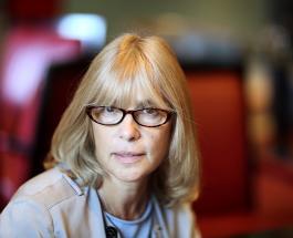 Могила Веры Глаголевой украшена живыми цветами: дочь актрисы почтила ее память новыми фото