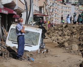 Шесть человек погибли в результате сильного наводнения на севере Турции