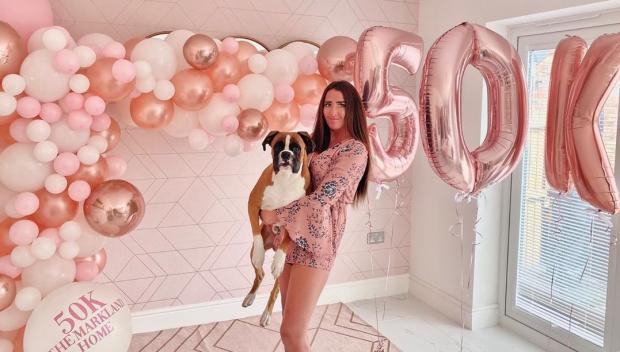 Джемма Маркланд, хозяйка необычного розового дома