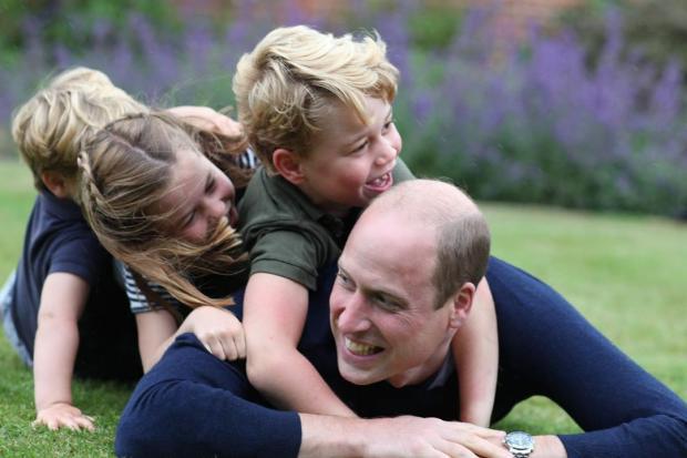 Принц Уильям, принц Джордж, принцесса Шарлотта и принц Луи