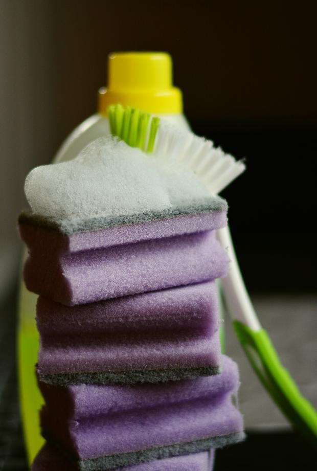 губки, ТОП-5 ошибок при уборке дома: сводят на нет все усилия