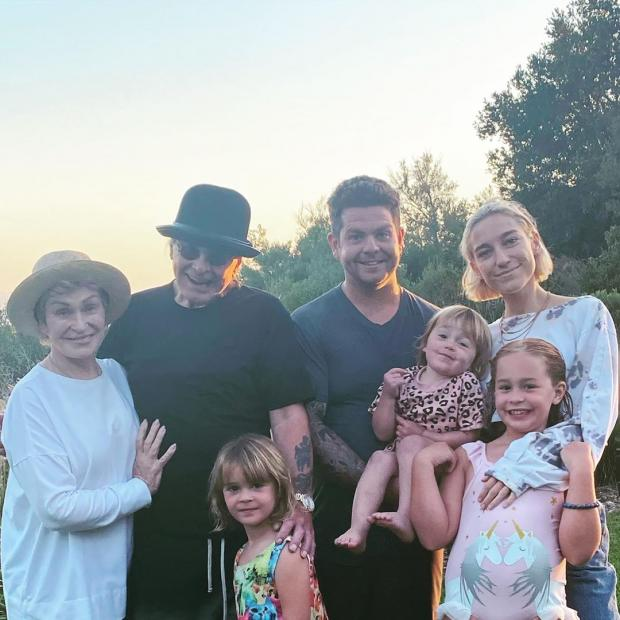 Оззи Осборн с семьей