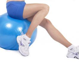 Как бороться с отечностью ног: 5 способов снизить неприятные ощущения