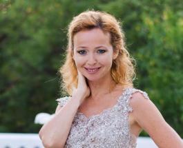 Елена Захарова в нежном образе: новое фото актрисы восхитило фанатов