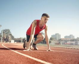 Триатлонист помог сопернику завоевать медаль заметив его ошибку перед самым финалом