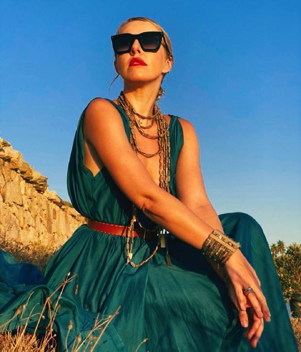 Ксения Собчак в бирюзовом платье