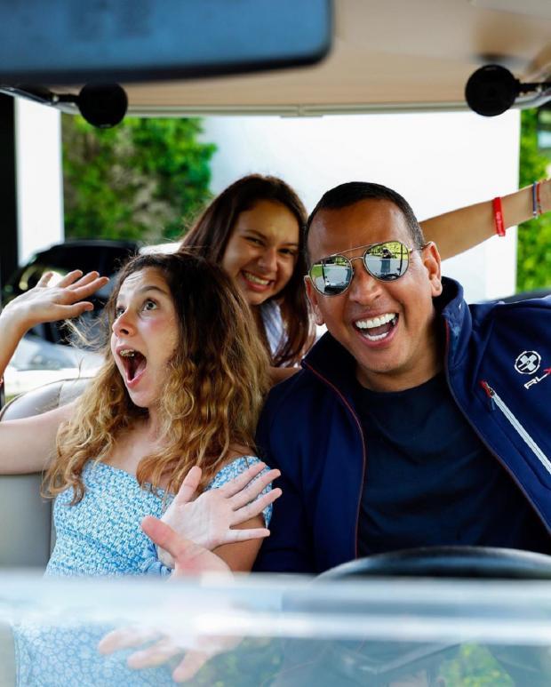 Алекс Родригес с дочерьми