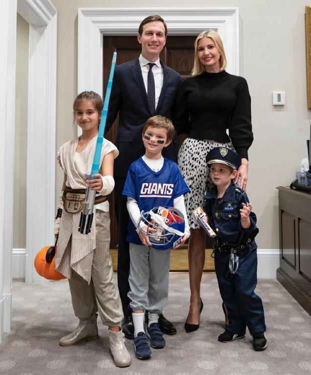 Иванка Трамп с семьей на Хэллоуин