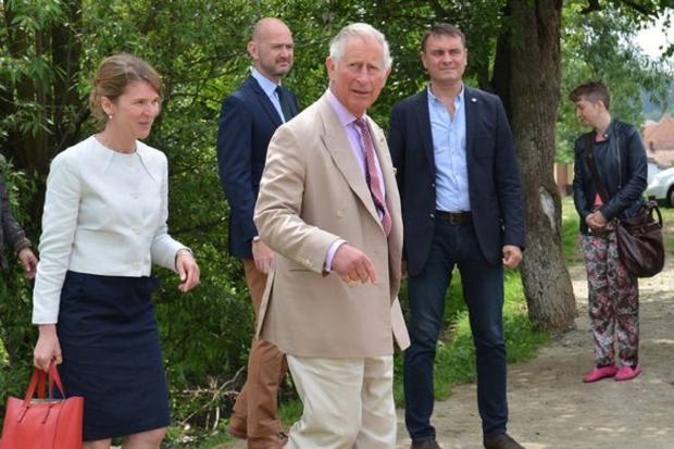 Принц Чарльз во время визита в Вискри в 2017 году