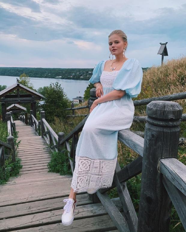 Актриса Александра Бортич