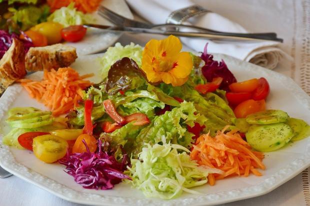 салат на скорую руку из овощей