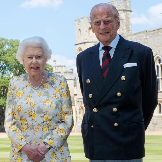 Королева Великобритании с мужем