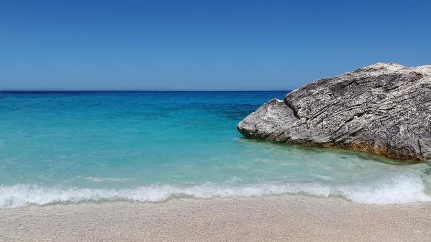 пляж в Сардинии