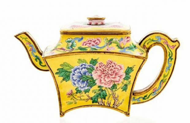Китайский чайник стоимостью 128 тысяч долларов