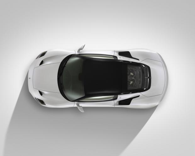белый Maserati MC20