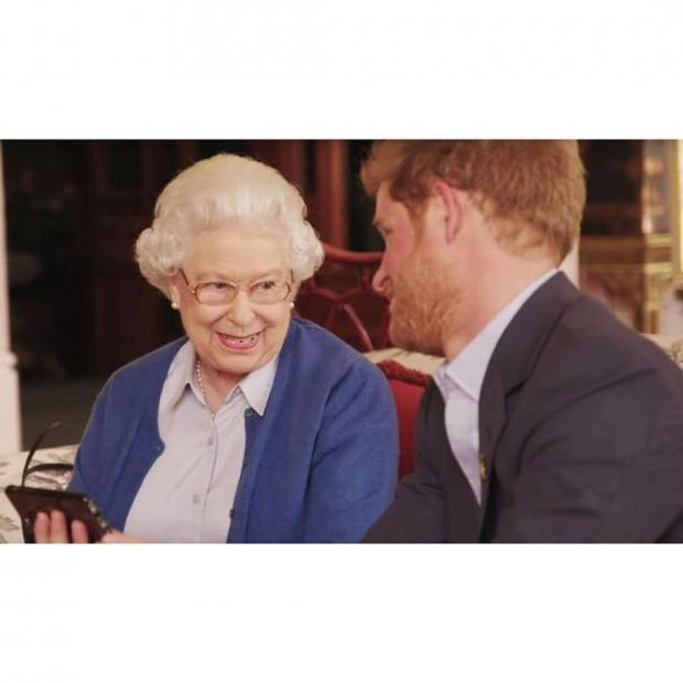 Принц Гарри и Елизавета II