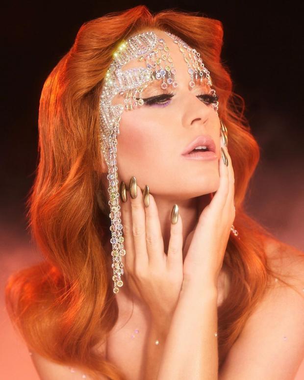 Кэти Перри с рыжими волосами