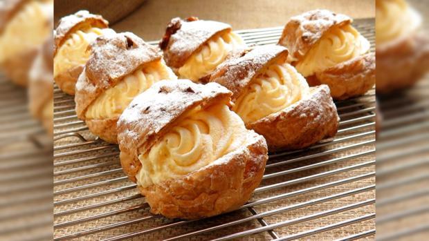 свежеиспеченные французские пирожные