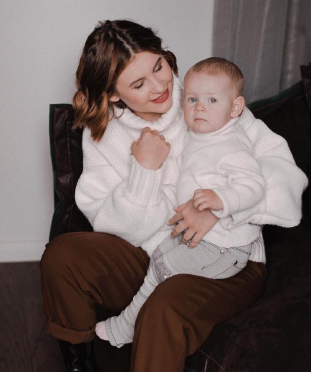 Анастасия Цуканова с ребенком