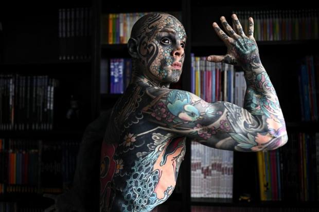 татуированный воспитатель