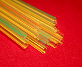 Великобритания запретила использование пластиковых соломинок и ватных палочек