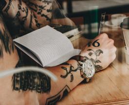 Татуировки для книголюбов: 20 идей необычных нательных рисунков