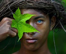 Самые голубые глаза в мире: жители индонезийского племени обладают уникальной внешностью