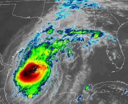"""Ураган """"Дельта"""" приближается к США: штат Техас готовится к стихийному бедствию"""