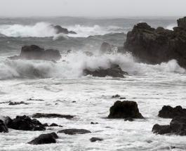 Мощный тайфун обрушился на Японию: в стране ожидаются сильные дожди и оползни