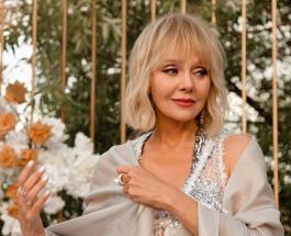 Валерия в нежном образе: 52-летняя певица рассказала о романтике в ее жизни