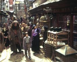 """""""Косой переулок"""" в гардеробной: отец воссоздал для дочери известную улицу из """"Гарри Поттера"""""""