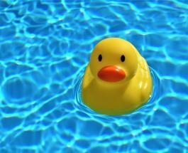 Плач во время купания: что поможет упростить водные процедуры рассказал доктор Комаровский