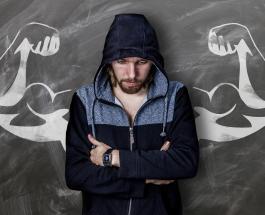 Признаки неуверенности в себе: жесты которые выдают человека с низкой самооценкой
