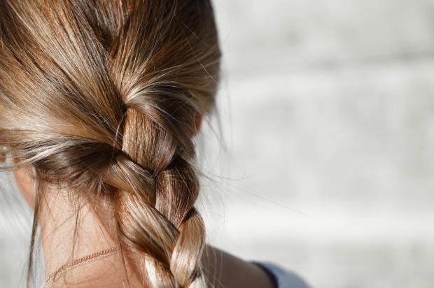 волосы в косе