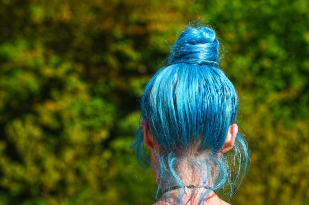 голубые волос