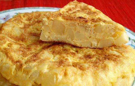готовый омлет с картофелем