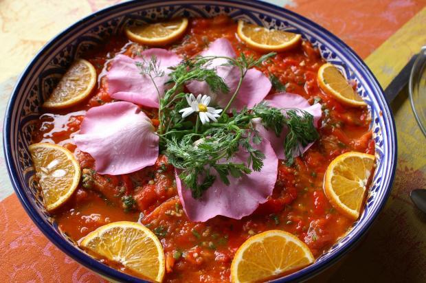 блюдо с цветами