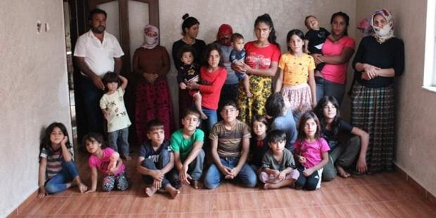 Многодетная семья из Турции
