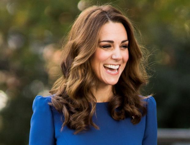 Кейт Миддлтон в синем платье